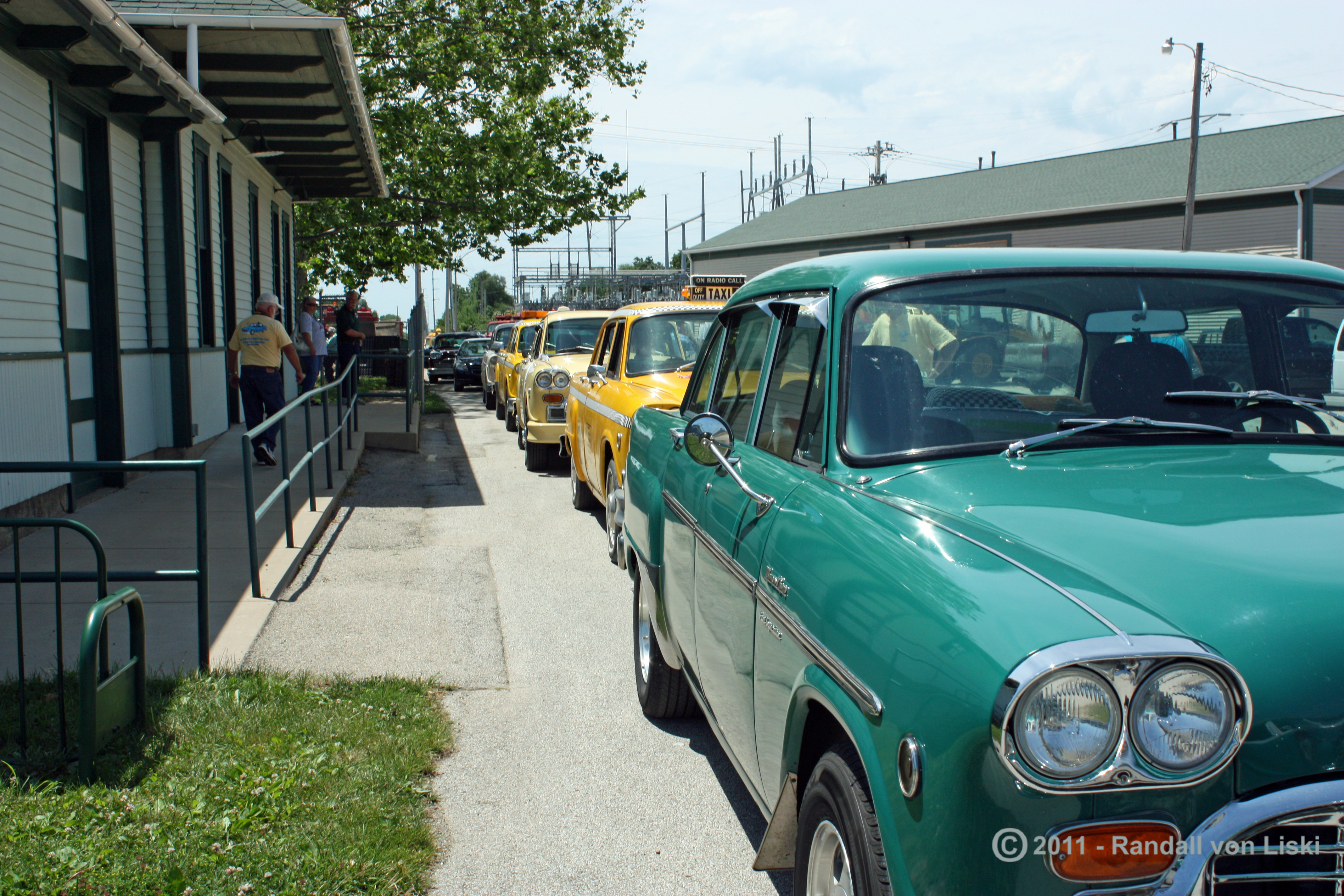 Checker Convention Group Shots-2011-04.jpg