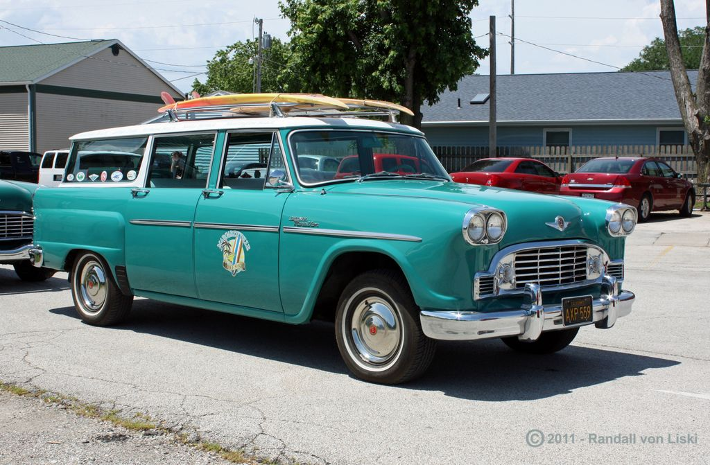 1963_checker_marathon_station_wagon_2011_05.jpg