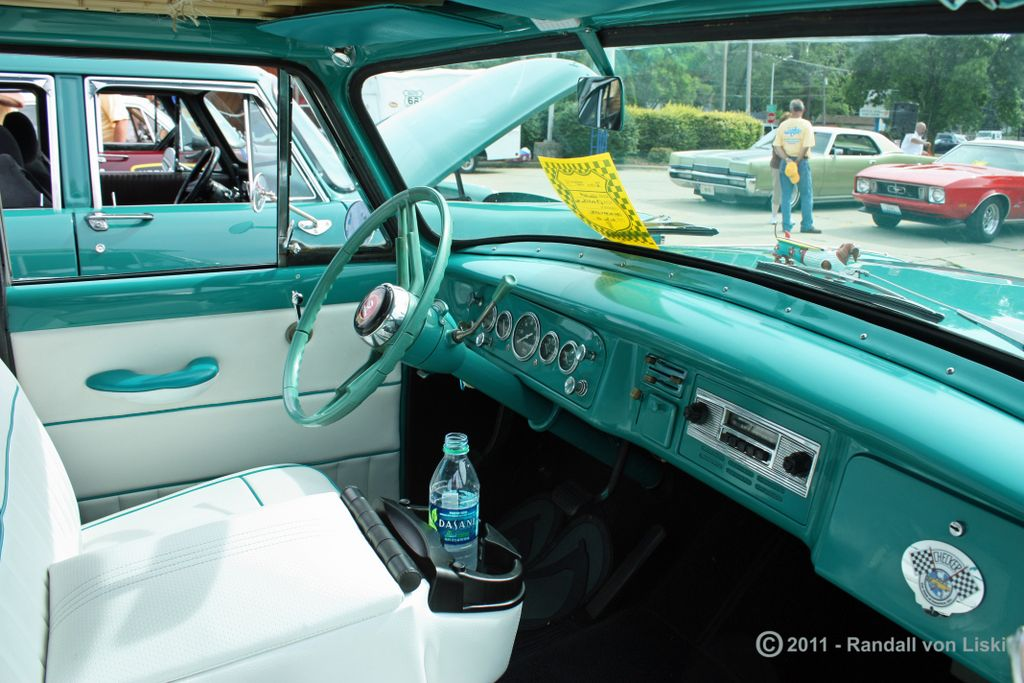 1963_checker_marathon_station_wagon_2011_10.jpg