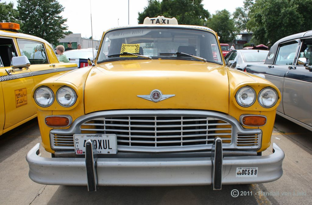 1982_checker_a_11_taxi_2011_01.jpg