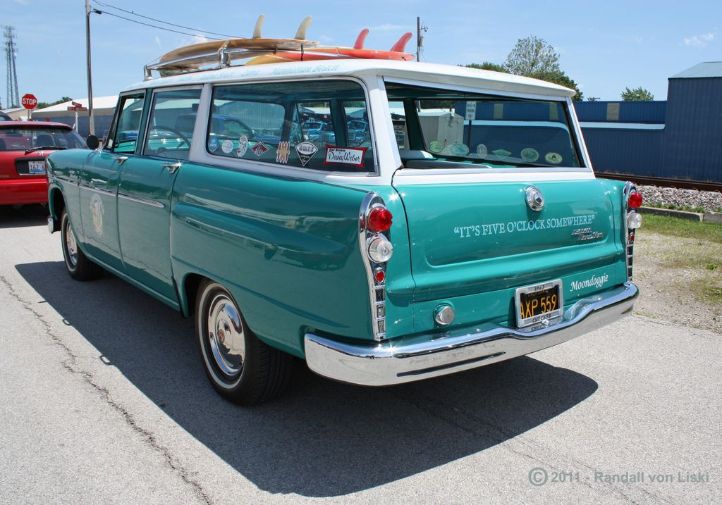 1963_checker_marathon_station_wagon_2011_15.jpg