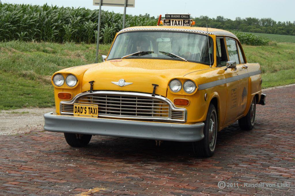 1975_checker_a11_taxi_2011_01.jpg