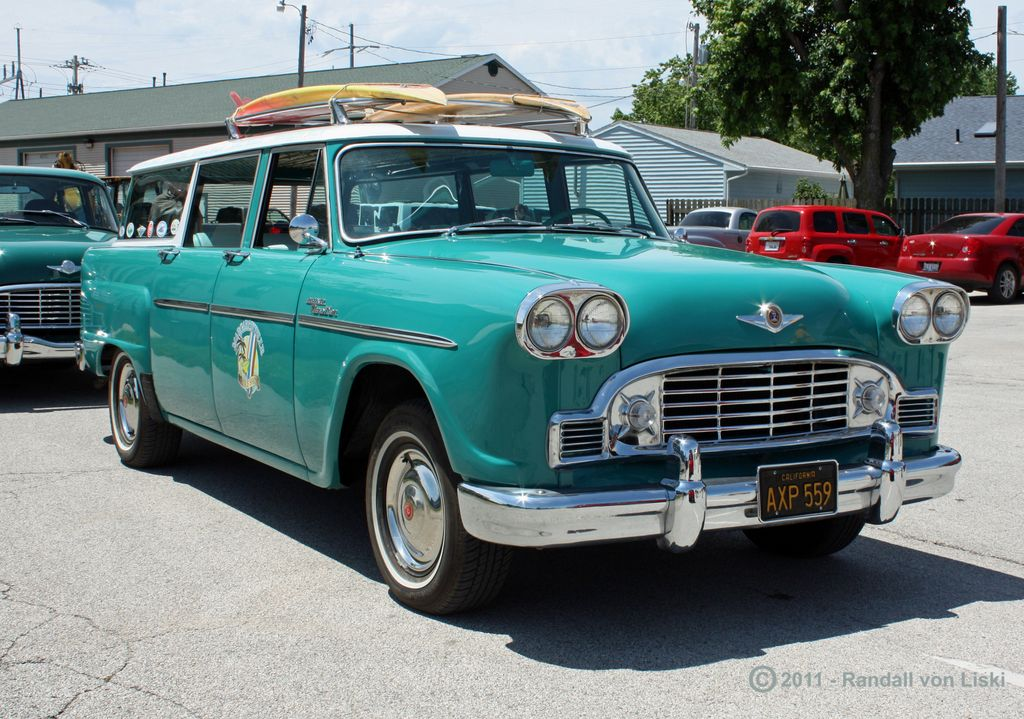1963_checker_marathon_station_wagon_2011_04.jpg