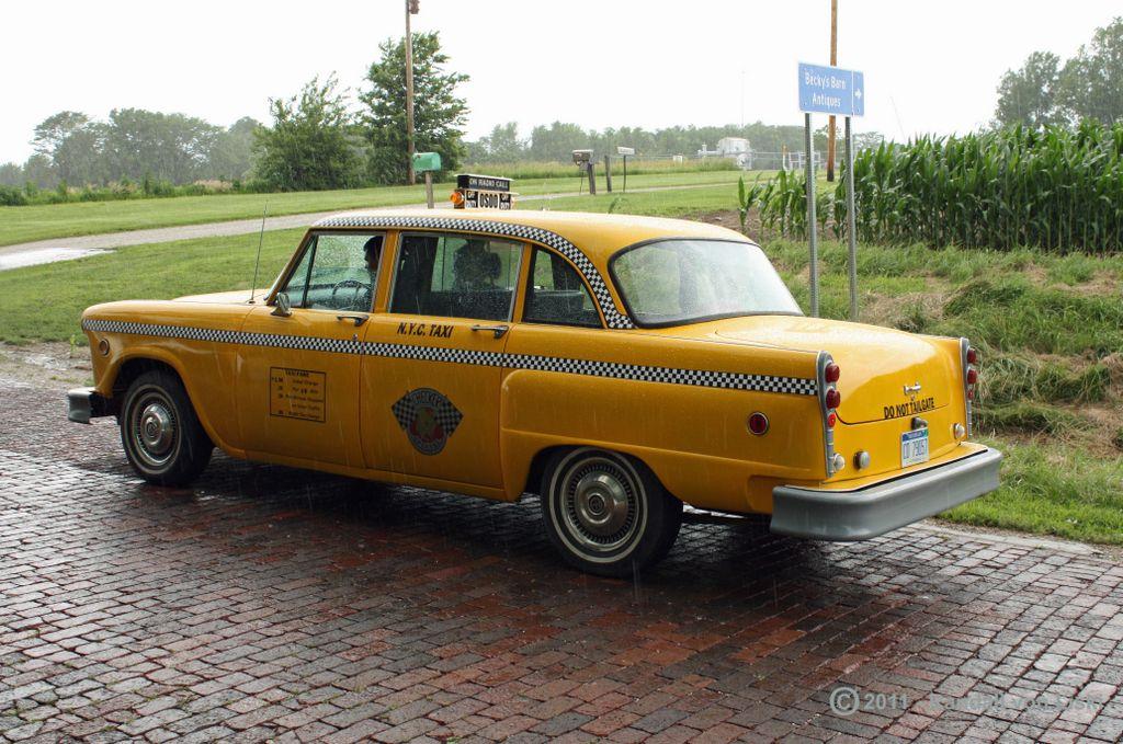 1975_checker_a11_taxi_2011_06.jpg