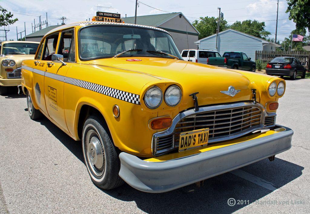1975_checker_a11_taxi_2011_02.jpg