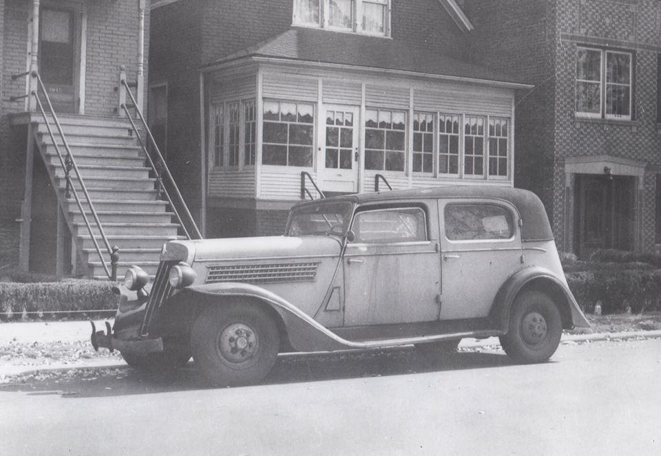 1935 Checker Model Y