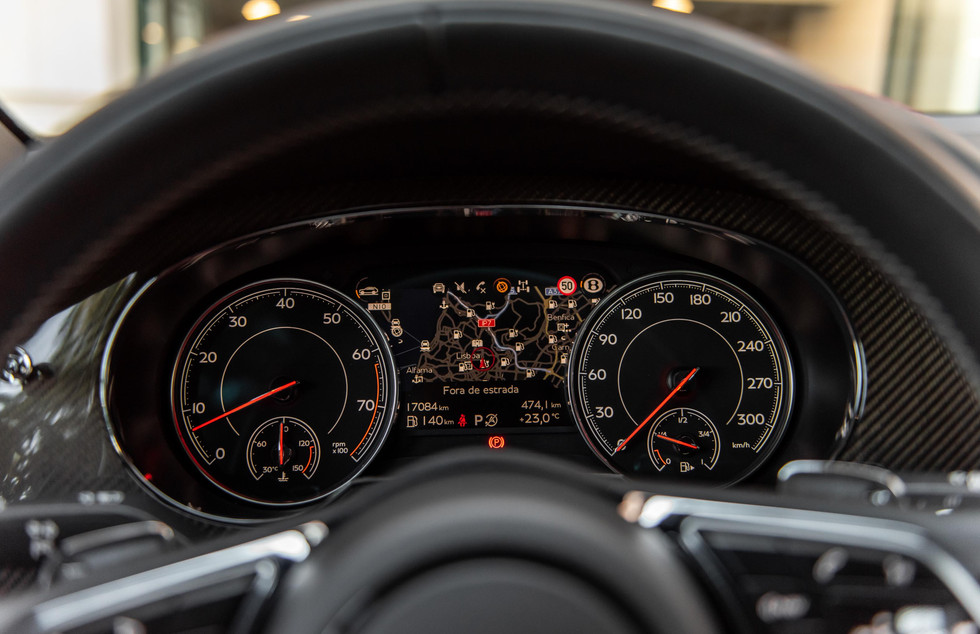 Bentley Bentayga-16.JPG