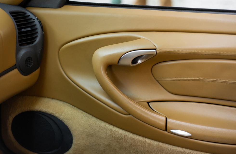 Porsche 996 Carrera Cabrio Preto-11.jpg
