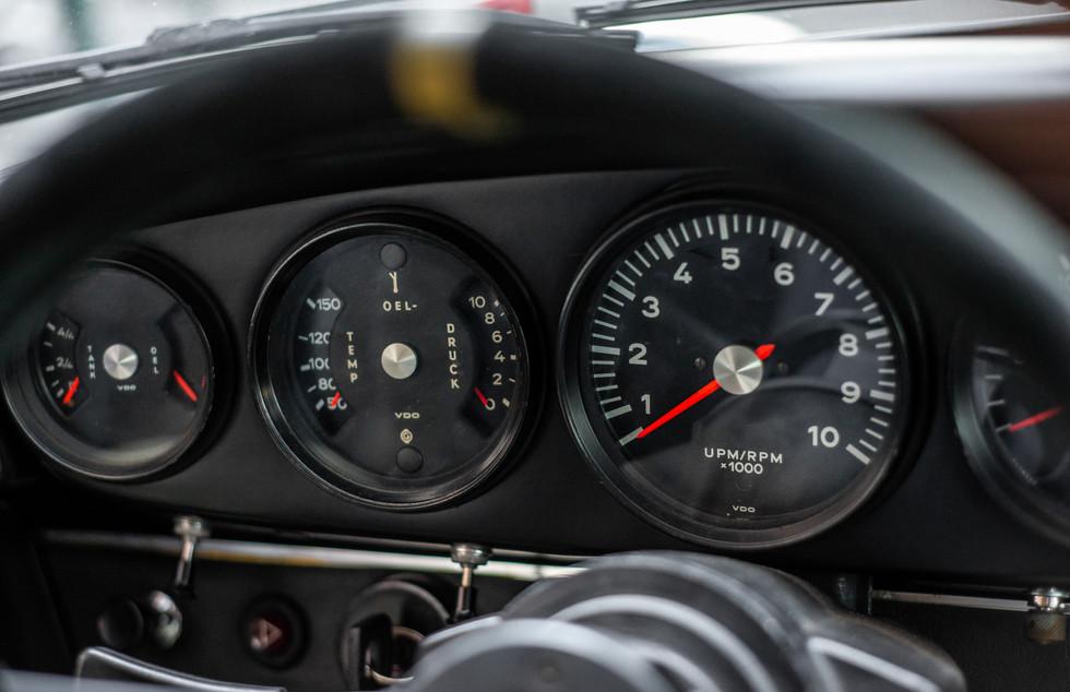 Porsche 911 2.7-21.JPG