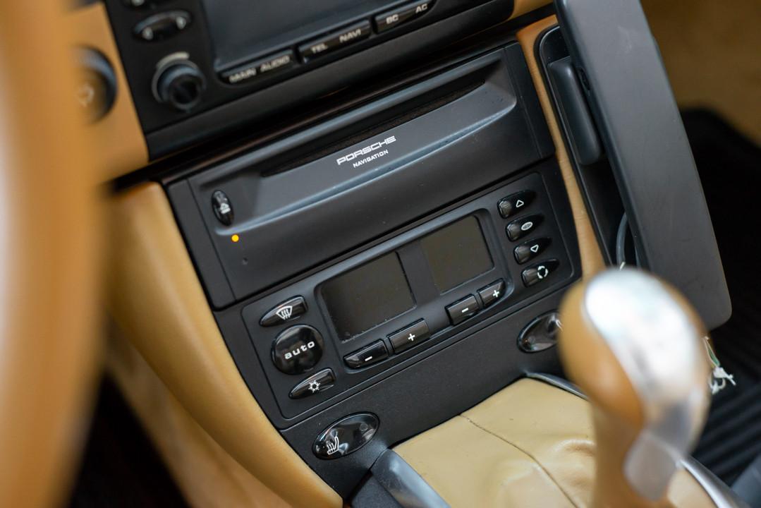 Porsche 996 Carrera Cabrio Preto-14.jpg