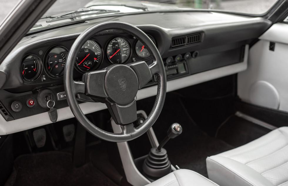 Porsche 930 Turbo_-7.JPG