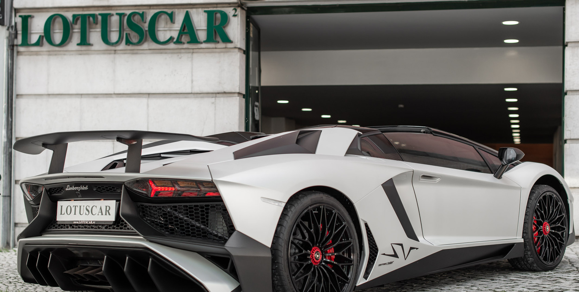 Lamborghini Aventador SV-28.jpg.JPG