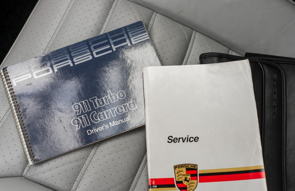 Porsche 930 Turbo_-17.JPG