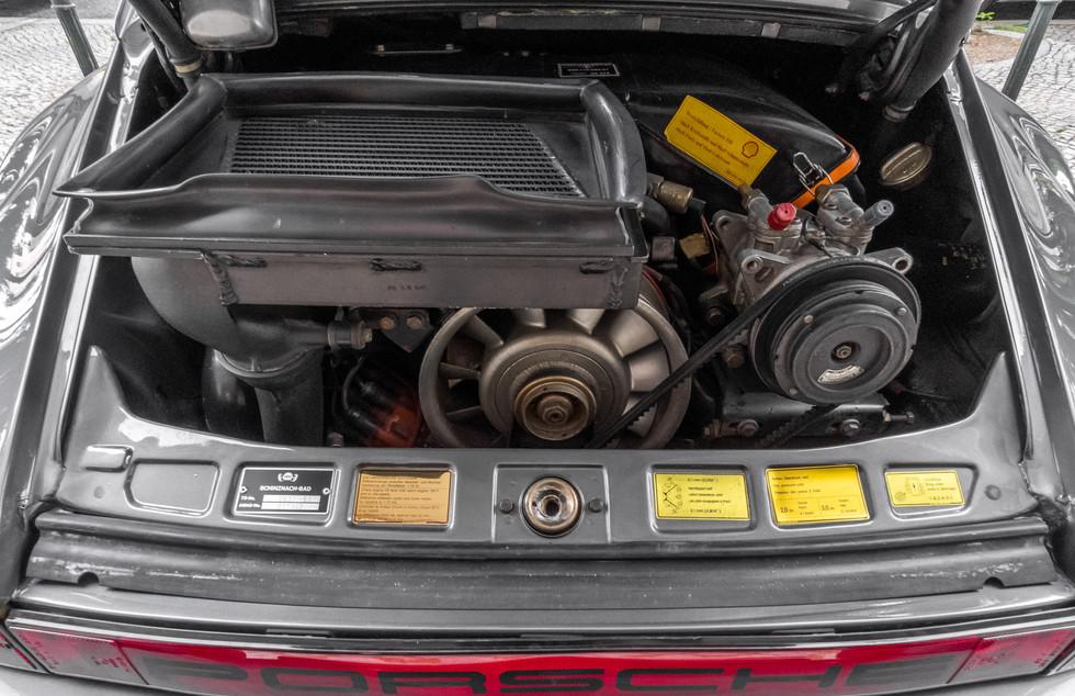 Porsche 930 Turbo_-25.JPG
