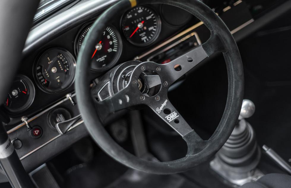 Porsche 911 2.7-8.JPG