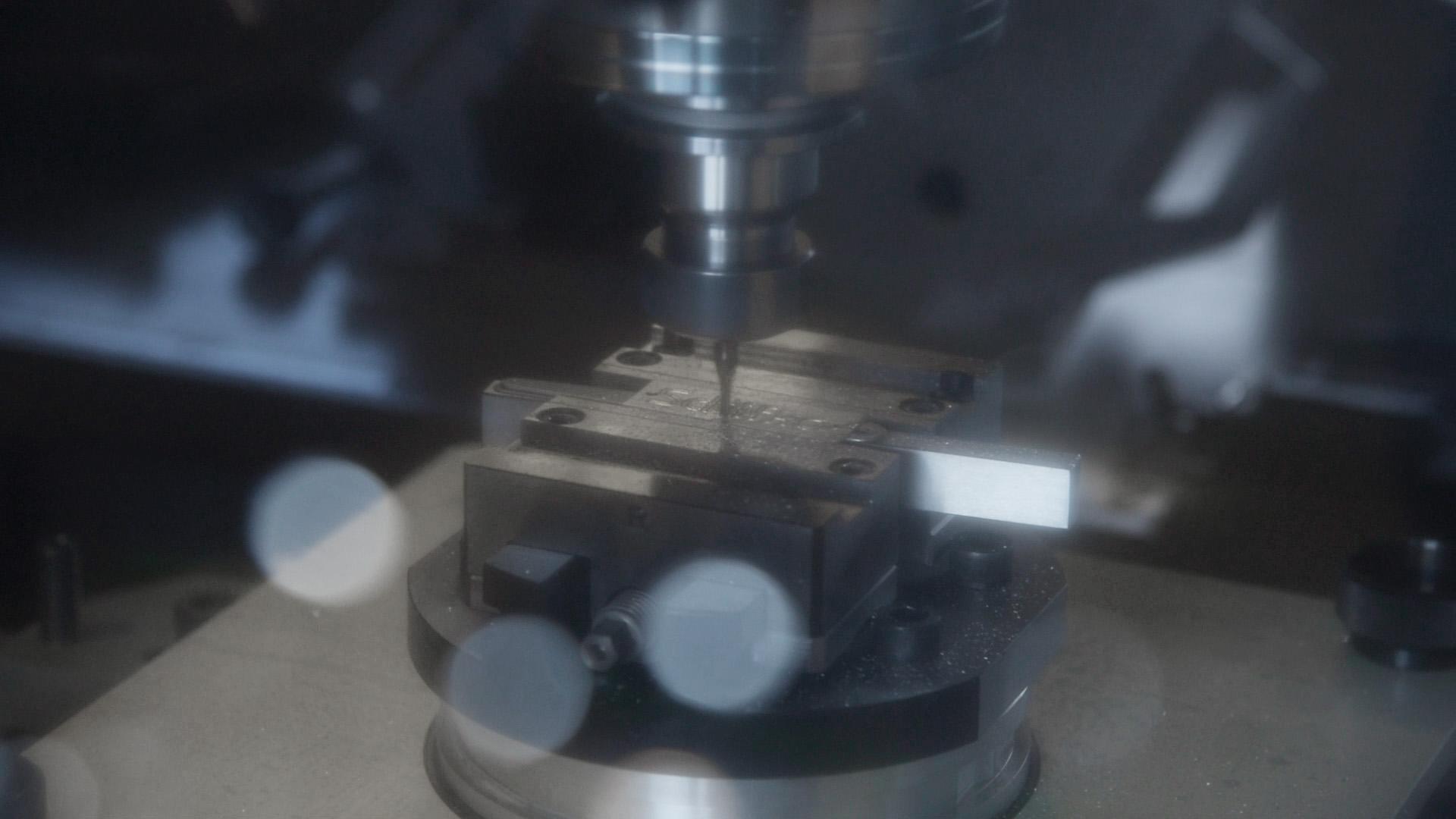 Mechanical-production_CNC-Mill_AMB_1393-Screenshot