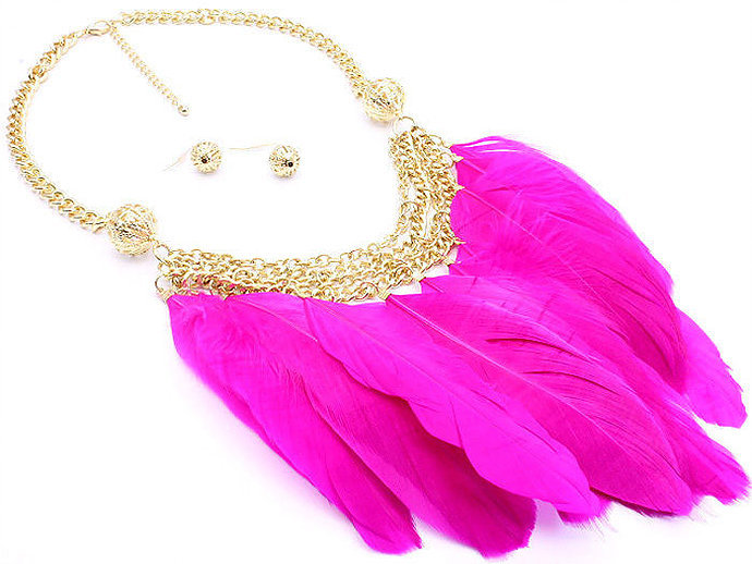 """""""Holly"""" Feather Necklace Set"""