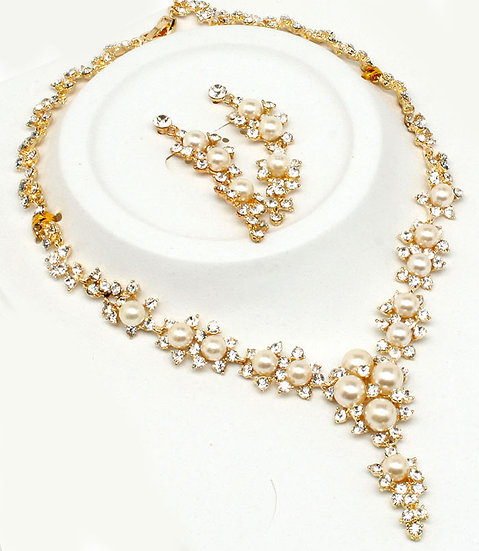 """Taylor"" Pearl & Crystal Bridal Necklace Set"