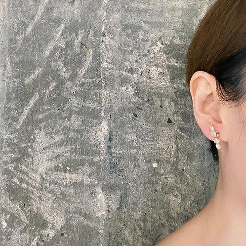 Pearl Stud Earrings - Quartet