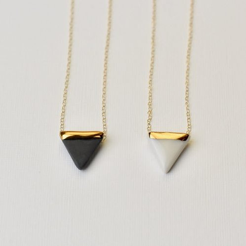 PORCELAIN TRIANGLE AND GOLD NECKLACE