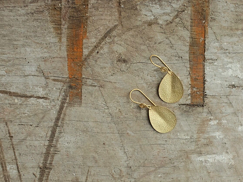 ISA HAMMERED EARRINGS
