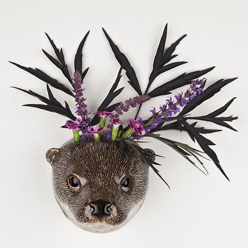 Otter wall vase quail