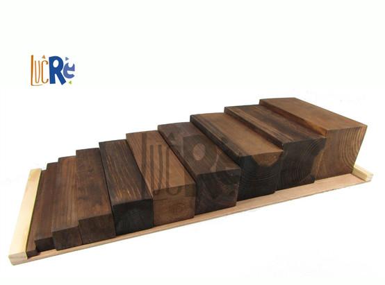 Escalera marrón Montessori