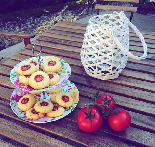 #sable#parmesan#fromage#romarin#tomatecerise#sableparmesan#alalettrethe#salondethe#gouter#salesucre#tomate#ete#ilfaitbeau#surlaterrasse#terr