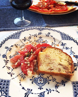 #tartetomate#tomatos#tomate#salade#cake#cakesale#cakeauxolives#entree#vin#ballon#vino#sunday#alalettrethe#foodporn#food#instafood#instamomen