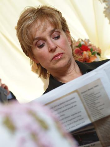 Ms. Sommerset (Jill Eikenberry) Reads Paper