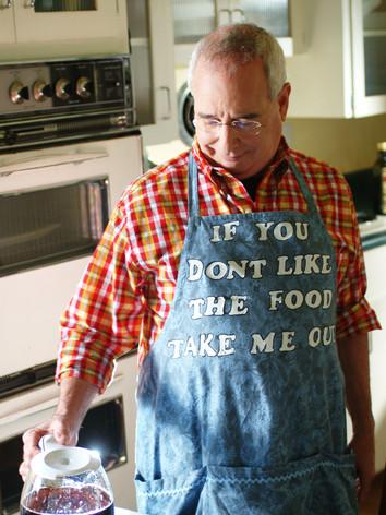 Mrd. Sommerset (Michael Tucker) runs the household