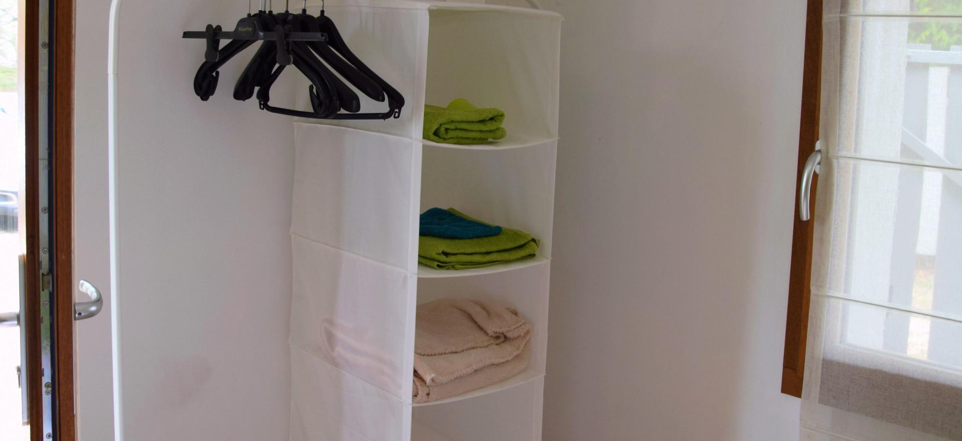 Ook deze kamer komt met eigen handdoeken in de kleur van de kamer.