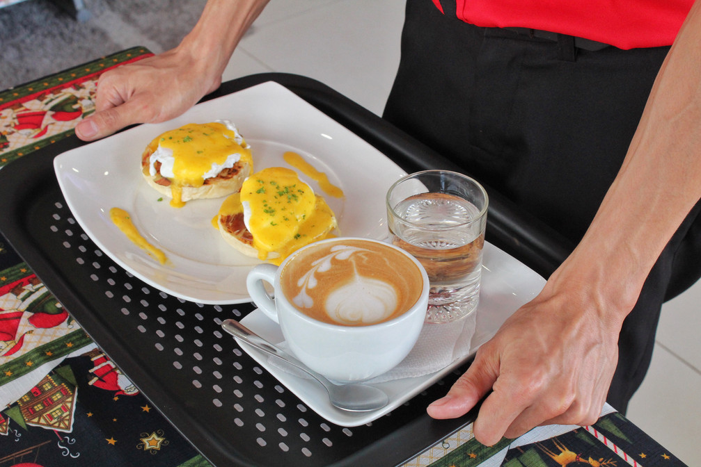 Eggs Benedict Ham With Cafe Latte
