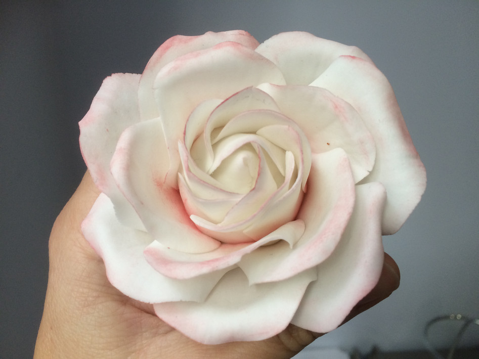 Rose en Pâte à Sucre