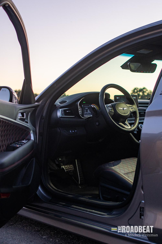 2022 genesis g70 interior review