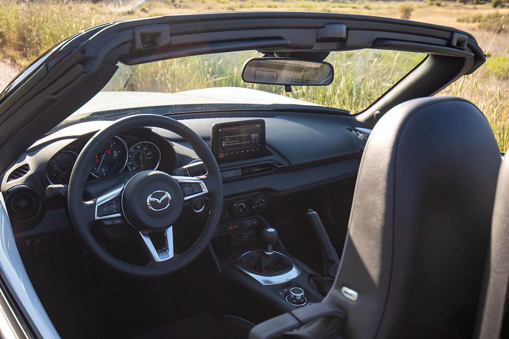 2021 Mazda Miata interior review
