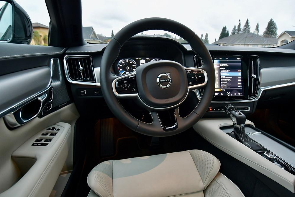 2021 Volvo V90 T6 R-Design