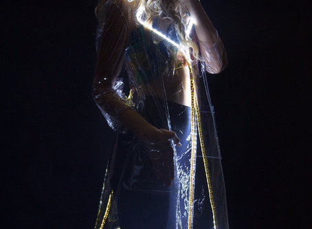 Plastique, a new Rdress light clothing. A new era of high-tech clothing made on!