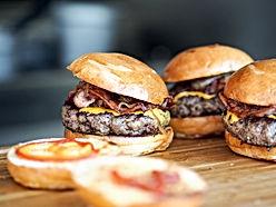 burger-731298_1920 (1).jpg