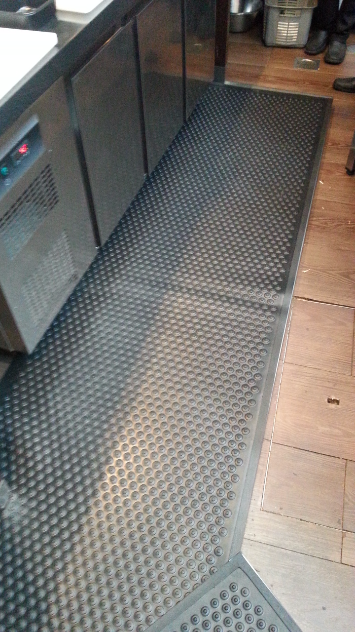 Comfort Stud Rubber Mat