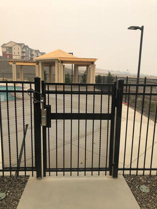 Residential Pool Gate - Frontier Fence Inc.
