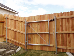Wood Fence and Wood Gate - Frontier Fence Inc.