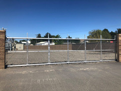 Commerical Automated Gate - Frontier Fence Inc.