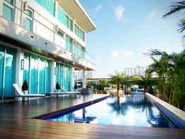 Private Pool Deck