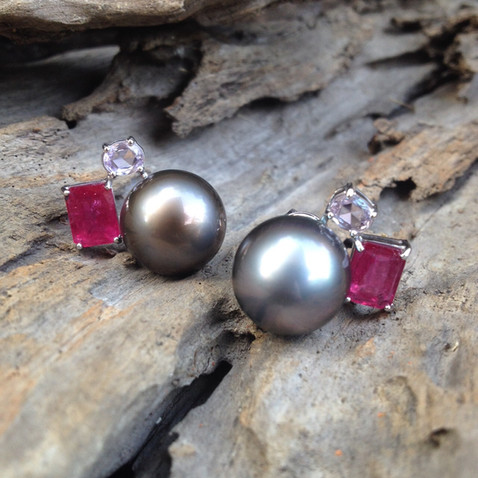 TAHITIAN GREY PEARL PINK SAPPHIRE RUBY 18K WHITE GOLD POST BACK #LUS25ER1590