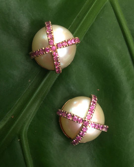 PINK SAPPHIRE PAVE ON FRESH WATER PEARLS POST BACK #PHI1C-ER1050