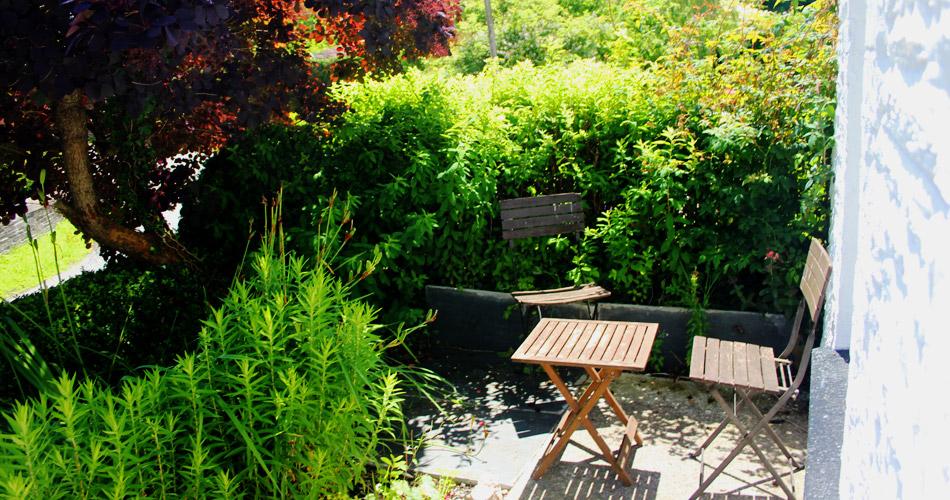 front_garden_pembrokeshire_cottage