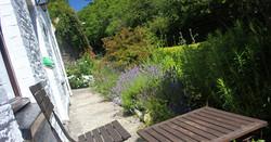 front_garden_fishing_accommodation