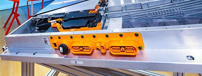 Wir fertigen Prototypenbauteile für die Batteriewanne eines neuen Elektroautos