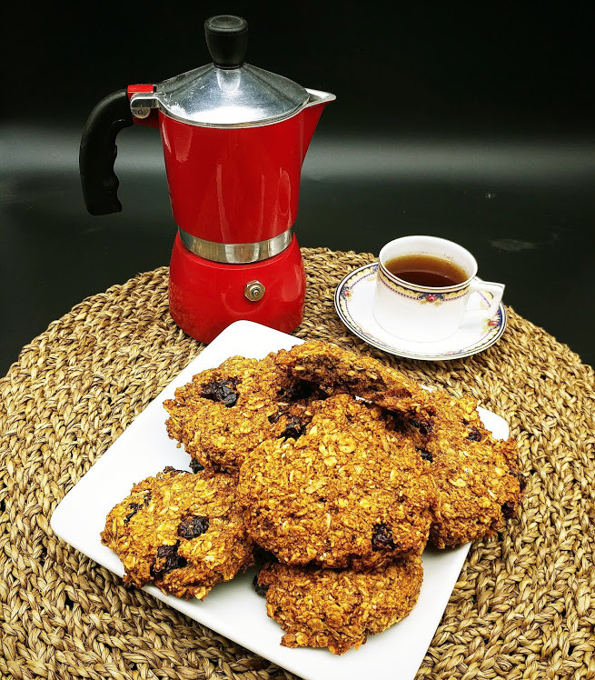 Oatmeal, coconut and cranberries cookies